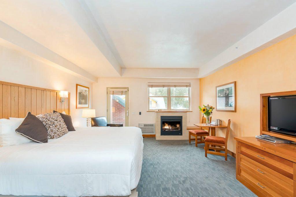Camel's Garfden Hotel - Deluxe room